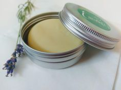 Green Living, discover ways to be bio-friendly with these quick and easy pointers and make DIY cleansing lotions, look up organic merchandise plus much more. Homemade Cosmetics, Zero Waste, Samos, Natural Cosmetics, Bronzer, Deodorant, Herbs, Organic, Beauty