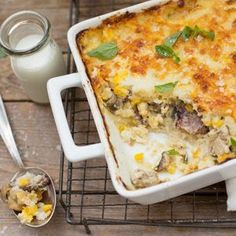 Biltong, mushroom and feta pap tert -- Layers of beautiful flavours that make a great braai side dish. South African Dishes, South African Recipes, Ethnic Recipes, Braai Recipes, Cooking Recipes, Healthy Recipes, Healthy Cooking, Cooking Time, Pap Recipe