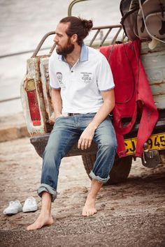 Stretch-Jeans von Rhode Island Stretch-Denim ist angesagt wie nie. Ein Grund: Der hohe Tragekomfort, die große Bewegungsfreiheit und ein Stoff, der sich dem Körper anpasst. Im trendigen Used-Look und geraden Schnitt sieht die Stretch-Jeans von Rhode Island außerdem richtig gut aus.