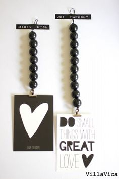 Hippe musthave ♥ kralenhangers van Villa Vica Bead Crafts, Diy And Crafts, Arts And Crafts, Beaded Garland, Diy Interior, Wooden Beads, Diy Gifts, Diy Projects, Crafty