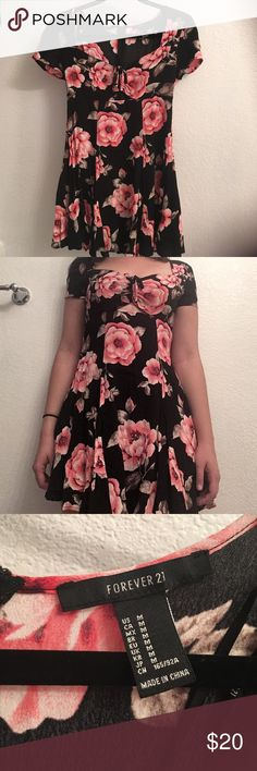 NWOT Floral Dress This dress is so cute and looks so good on! It's just too short for me 😭(I'm 5'5 for reference). I've never worn it out so it's in perfect condition! Willing to negotiate! Send me an offer! Bundle and save! 20% off 2+ Forever 21 Dresses Mini