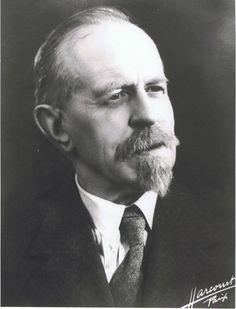 """Paul Verschave, fondateur en novembre 1924 de la """"section du journalisme"""" des Facultés catholiques de Lille"""