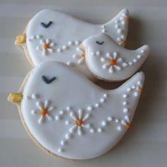 Sweet n Pretty Iced Bird Cookies Bird Cookies, Fancy Cookies, Flower Cookies, Cute Cookies, Easter Cookies, Royal Icing Cookies, Cupcake Cookies, Sugar Cookies, Christmas Cookies