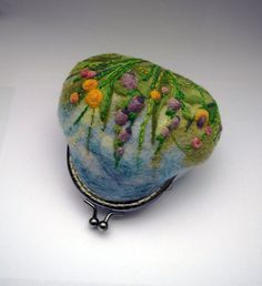 Wool Felted Coin Purse Kiss Lock Pouch Felt Small by LifeandWool