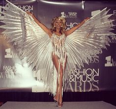 Rupaul: spread your wings and fly! Carnival Outfits, Carnival Costumes, Dance Costumes, Victoria Secret Fashion, Victoria Secret Angels, Angel Wings Costume, Drag Queen Costumes, Phoenix Costume, Show Dance