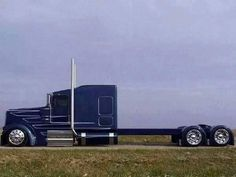 Kenworth is proven to take seriously the needs of truckers and does everything to improve the performance of the it's trucks. Whether one buys a fresh or used semi truck, the dog owner is assured Show Trucks, Big Rig Trucks, Mack Trucks, Ford Trucks, Custom Big Rigs, Custom Trucks, Customised Trucks, Big Ride, Truck Paint