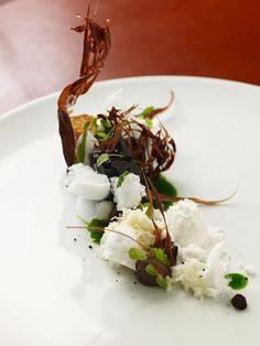 Jordan Kahn - #recette #dressage #assiette #artculinaire #art #food #foodporn #gastronomy #gastronomic #fooddesign #culinary #foodart #gourmet #gourmand #joiedevivre #museumviews #HauteCuisine