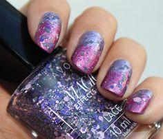 Avon Magic Effects Lace Perfect Purple http://www.talasia.de/2015/09/10/nails-essence-effect-nail-polish-meets-avon/