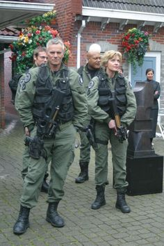 SG-1 between takes