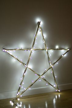 DIY Make your Christmas star of lights, with Leroy Merlin - Oscar Wallin Christmas Star, Scandinavian Christmas, Outdoor Christmas, Christmas Lights, Christmas Wreaths, Christmas Crafts, Christmas Ornaments, Christmas Window Decorations, Holiday Decor