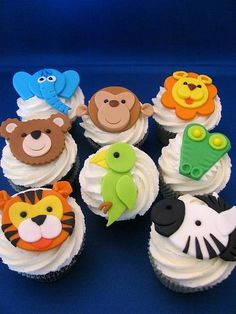 Animal Jungle Safari Theme Kids Birthday Party Cakes and Cupcakes - Mumbai Fondant Cupcake Toppers, Deco Cupcake, Cupcake Cakes, Cup Cakes, Vintage Cupcake, Rose Cupcake, Jungle Cupcakes, Jungle Theme Cakes, Safari Cakes