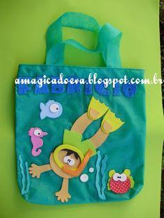 A magica do EVA: Sacolinha TNT fundo do mar em EVA. Love Box, Ocean Themes, Classroom Themes, Under The Sea, Quilt Blocks, Ideas Para, Preschool, Lunch Box, Web Design
