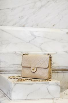 Chanel bag marble photography | Queen of Jet Lags