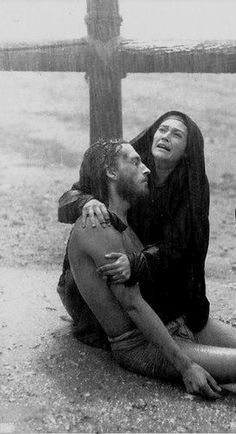 """Jesus of Nazareth"" (1977) Franco Zeffirelli; Robert Powell (Jesus) and Olivia Hussey (Mary)"