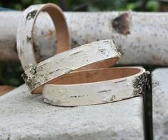 white birch bark cuff bracelet van WoodsOfNarnia op Etsy, $25.00