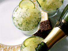Champagner-Granité mit Limetten ist ein Rezept mit frischen Zutaten aus der Kategorie Südfrucht. Probieren Sie dieses und weitere Rezepte von EAT SMARTER!