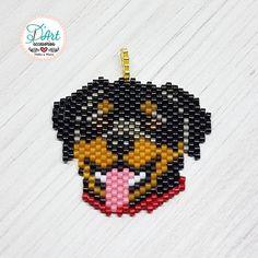 Hoy les presentamos a BRUNO! 🐶😍 . . . Un diseño Original de D'Art accesorios #originalaccesoriosdart #accesoriosDArt #ginnaandyessika #personalizacionesdart . . . #pets #dogs #amolosanimales #doglover #elmejoregalo #diseño #design #vivelamodadart #handmade #hechoamano #miyuki #miyukidelicas #miyukibeads #arte #rottweiler #rottweilers #rottweilerpuppy #rottweilerlove #rottweilerpets #delicas #personalizados Seed Bead Projects, Beading Projects, Beaded Earrings Native, Seed Bead Earrings, Beaded Banners, Beaded Christmas Ornaments, Native American Beadwork, Peyote Beading, Perler Bead Art