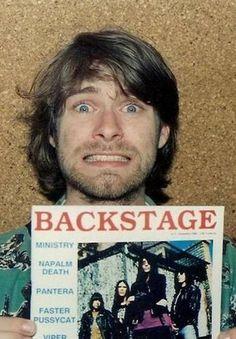 Kurt Cobain Looking adorable! Nirvana Band, Nirvana Kurt Cobain, Nirvana Songs, Joey Ramone, Great Bands, Cool Bands, Punk Rock, Napalm Death, Kurt And Courtney