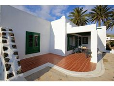 Villa Maguez - 3 Bed Villa for rent in Haria Lanzarote sleeps up to 6 from £770 / €875 a week
