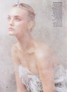 Wedding Tiara Ideas #wedding #tiara #hairpieces