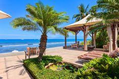 Check out this amazing Luxury Retreats beach property in Maui, with 3 Bedrooms and a pool. Browse more photos and read the latest reviews now.