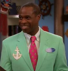 I liked his green suit thing Mr Moseby wore on Suite Life On Deck