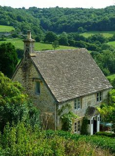 Rose Cottage at Slad. Slad is a village in Gloucestershire, England, within the Slad Valley stone cottages Irish Cottage, Cute Cottage, Stone Cottages, Cabins And Cottages, Stone Houses, Small Cottages, Cottage Living, Cottage Homes, English Country Cottages