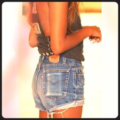 """✨Levi's  blue cut off jeans✨ ✨Levi's high waisted cut off shorts . Measurements: waist-28"""" hips-36"""", rise-10"""". Inseam when folded - 3"""", unfold -4"""". First picture is not mine.  Levi's Jeans"""