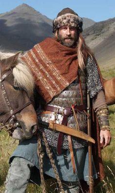 Fashion of the Vikings - Yahoo Image Search Results Viking Armor, Viking Garb, Viking Reenactment, Viking Men, Viking Costume, Viking Life, Medieval Costume, Medieval Armor, Medieval Fantasy