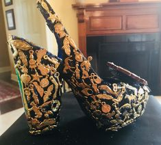 Used 100 plus milagros on this shoe. Very time consuming.AND very, very ugly Very Ugly, Decorated Shoes, Crazy Shoes, Mardi Gras, Muse, God, Inspiration, Carnival, Dios