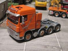 Volvo, Dump Trucks, Scale Models, Vehicles, Scale Model Cars, Miniatures, Heavy Equipment, Crane Car, Model Building