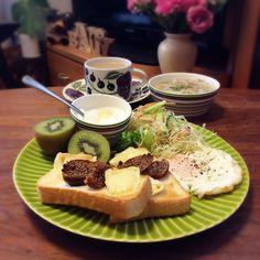 キラ姫's dish photo カマンベール ドライいちじくのトーストでワンプレート 2016 9 22 | http://snapdish.co #SnapDish #ハム/ソーセージ/ベーコン #サラダ #味付き卵 #チーズ #野菜スープ