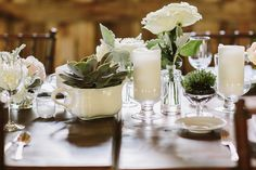 Rustic table scape and decor by Twelve at the Table. Photo by Q Avenue Photo.  http://norwegianweddingblog.blogspot.no/2014/05/superstylish-bryllup-fra-leipers-fork.html