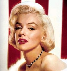 Marilyn Monroe, the women who invented glamour