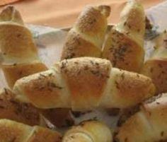 Burgenländische Salzstangerl Party Finger Foods, Snacks Für Party, Ketchup, Chutney, Mayonnaise, Sauce Barbecue, Salsa, Bread Rolls, Spicy