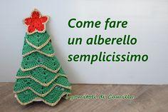 How to make a very simple Christmas tree The balls of Camilla Camilla, Simple Christmas, Crochet Hats, Christmas Ornaments, Holiday Decor, Creative, Blog, Stella, Crochet Christmas