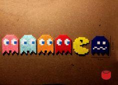 Pacman Magnets and Perler Beads Schlüsselanhänger by DJbits on Etsy Perler Bead Designs, Perler Bead Templates, Hama Beads Design, Diy Perler Beads, Hama Beads Patterns, Perler Bead Art, Pearler Beads, Fuse Beads, Beading Patterns