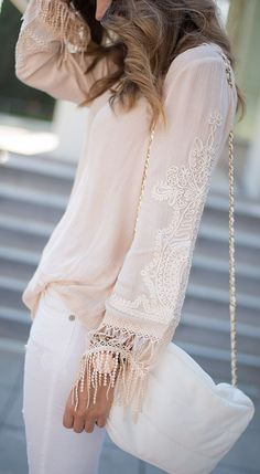 Embroidered Blouse Summer Style # Aventura Con La Moda Trends Of Spring Apparel Style Embroidered Blouse Blouse Summer Style How To Wear Blouse Summer Style 2015 Blouse Summer Style Where To Get Blouse Summer Style How To Style All About Fashion, Passion For Fashion, Mundo Fashion, Summer Outfits, Cute Outfits, Classy Casual, Embroidered Blouse, Hippie Style, Fashion Outfits