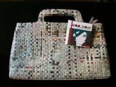 Resultado de imagen para como hacer carteras de papel reciclado