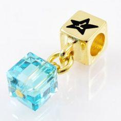 Charm with SWAROVSKI ELEMENTS crystal cube pendant Azure Blue, gold version http://store.lovya.net/letters-from-your-heart-lovya/317-charm-wiszacy-z-krysztalem-swarovski-elements-szescian-w-kolorze-blekit-lazurowy-wersja-zlota.html