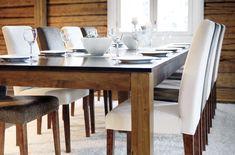Viileän vaaleita sävyjä tumman puun seuraksi  Malli: Aurora-ruokapöytä ja Contrast-tuolit Vaihtoehdot: useita pöytäkokoja sekä väri- ja verhoiluvaihtoehtoja Jälleenmyyjä: Masku-myymälät  #pohjanmaan #pohjanmaankaluste #koti #keittiö #kitcheninspo #kitchendecor #diningchair #diningtable