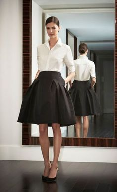Outfits Mode für Frauen 2019 - I have this skirt and shirt. I would wear it to a gala as cocktail attire:) - Women Spring/Summer Fashion - 2019 Classic Work Outfits, Classy Outfits For Women, Office Outfits Women, Summer Work Outfits, Mode Outfits, Fashion Outfits, Clothes For Women, Work Clothes, Skirt Outfits