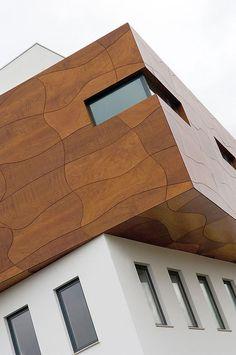 Beautiful creation by a designer using Alucobond® Aluminium Cladding, Wood Cladding, Exterior Cladding, Facade Design, Exterior Design, Architecture Design, Spa Design, Art Deco Design, Wood Design