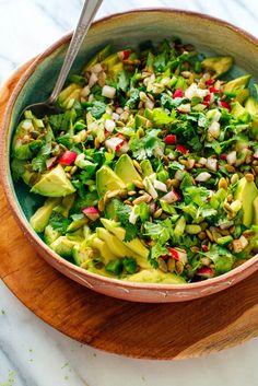 Avocado Dessert, Avocado Salad Recipes, Guacamole Recipe, Fresh Salad Recipes, Avocado Smoothie, Avocado Salat, Keto Avocado, Avocado Egg, Ripe Avocado