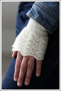 Ravelry: Cinmaugara pattern by Melanie Berg. These are the classiest beautiful fingerless gloves I've seen.
