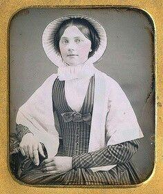 1840s(?)-50s dag -- striped fabric, V-neck, bow under V.