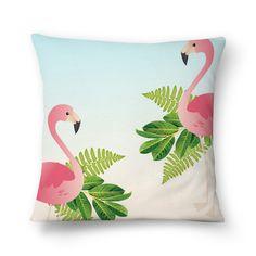 almofada flamingo Flamingo Gifts, Flamingo Art, Cute Pillows, Decorative Throw Pillows, Shabby Chic Beach, Fabric Paint Designs, Cushion Cover Designs, Painted Clothes, Sewing Pillows