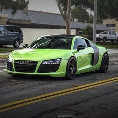 Mean green Audi R8.