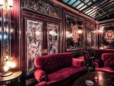 Le Derriere at Q Bar, Bangkok, Thailand © Vincent Sung/ teNeues Digital Media