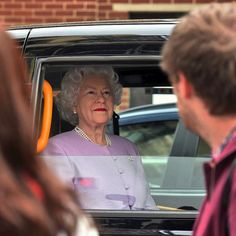 Queen Elizabeth arrives in a black cab at St. Marys Hospital to visit the royal baby boy #KeepCalm #godsavethequeen #news #i-Images | London . UK | 23 April 2018